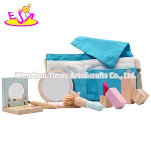 2020 New Released Girls Wooden Doll Makeup Set for Pretend W10d242