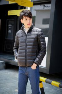 Black Color Men Winter Lightweight Packable Puffer Jacket
