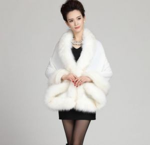White Color Oversized Knitted Cardigan Cape Coat Fox Fur Shawl