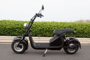 New Style Big Harley 60V Battery Scooter Has a Twin-Pole Adult Removable Rechargeable Lithium-Ion Battery with a Wide Tire and Electric Pedals 2000W Motorcycle