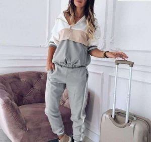 Light Grey Color Women′s Color Matching Fashion Sweater Suit