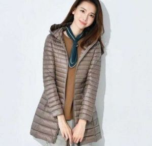 Brown Color Women′s Winter MID-Length and Thin Duck Down Jacket